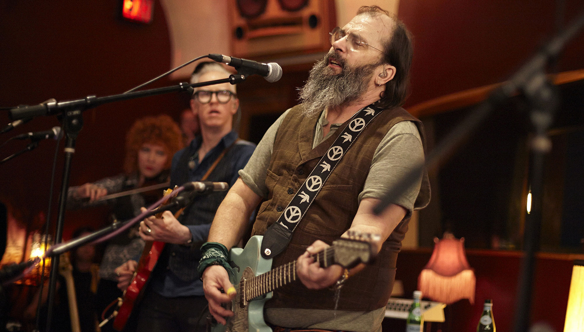STEVE EARLE & THE DUKES  <H5>30th Anniversary of <i>Copperhead Road</I>  </h5><h5>w/ special guests The Mastersons  <h5><h5>April 7  </h5>